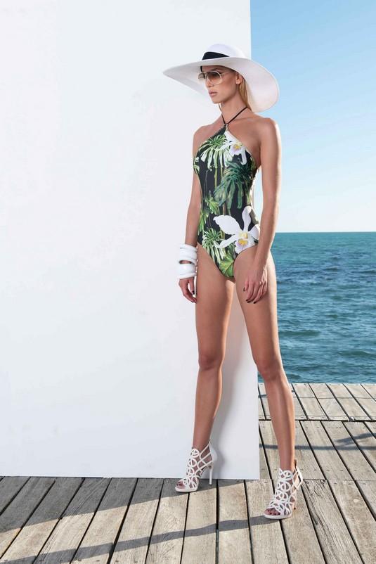 10_Beachwear