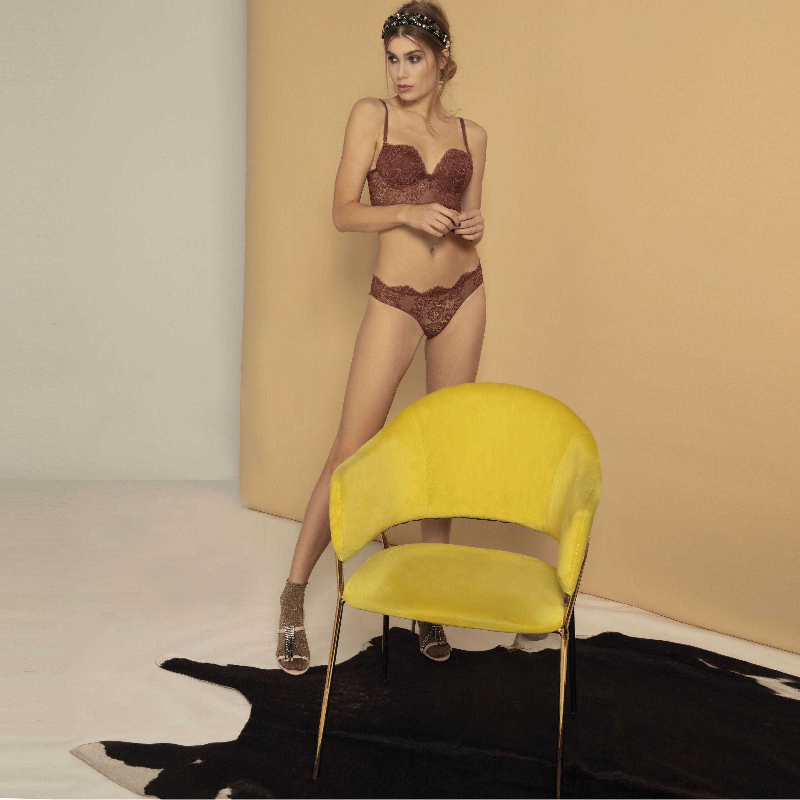 body-pizzo-terra-bronzo-valery-lingerie-biancheria-intima-donna-autunno-inverno-2022