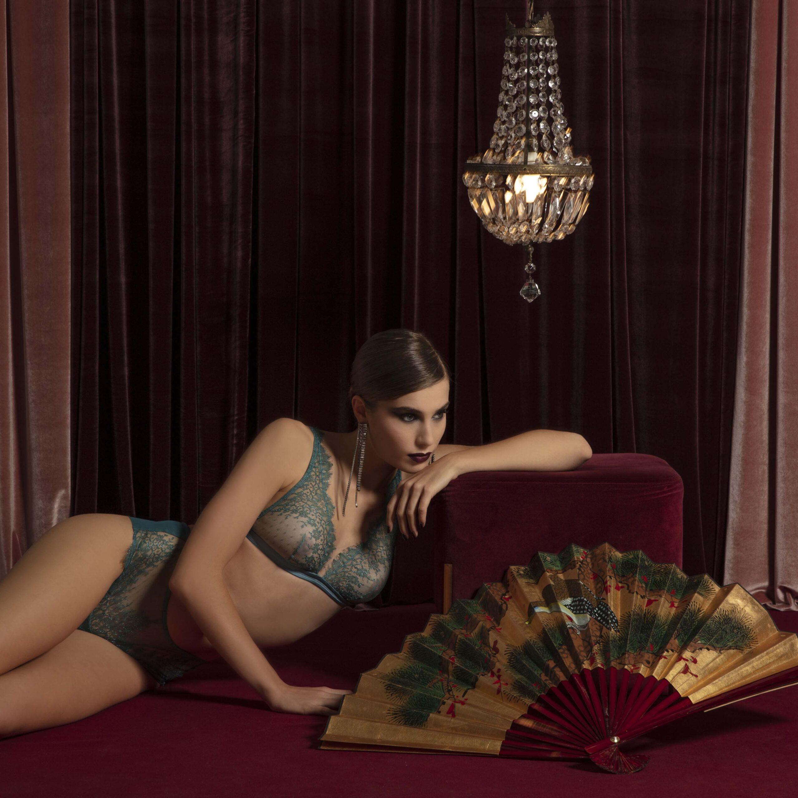 completo-pizzo-reggiseno-slip-valery-prestige-lingerie-donna-autunno-inverno-2022